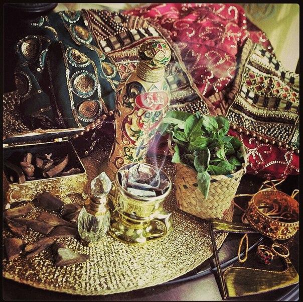 Ароматерапия, фимиам, восточные духи